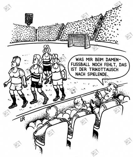 Spielende beim Damenfußball