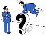 Ein Mann springt über ein Fragezeichen