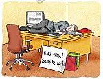 Mittagsschlaf auf dem Schreibtisch